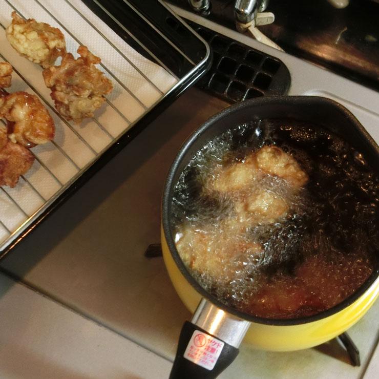 油ハネしにくい揚げ鍋